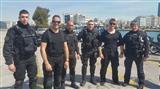 Полицейские нырнули в море и спасли таксиста от гибели (фото, видео)