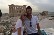 Звезда тенниса расслабляется в Греции