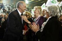 Папандреу привел «тройку» в Грецию из-за миллионов матери?