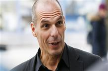 В шаге от дефолта: Варуфакис обвинил кредиторов, а греки массово снимают деньги