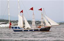 На острове Спецес сожгли турецкий военный корабль