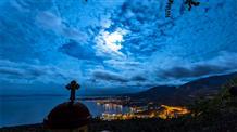 Греческий фотограф показал «Небо Греции» за 365 дней