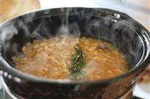Похлебка по-гречески: лук, фасоль и немного мастерства