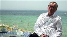 Юнкер в греческой таверне: Я рад, что цены все еще в евро