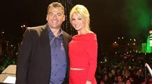 Кризис кризисом, а звезды важнее: развод телеведущих стал главной темой в Греции (фото)