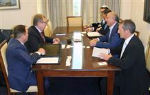 Посол Казахстана и заместитель министра иностранных дел Греции обсудили сотрудничество двух стран