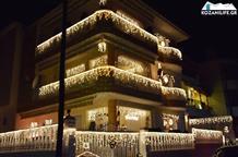 Украсив дом, житель Козани создал праздничное настроение всему городу (фото, видео)