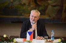 Президент Чехии готов помогать Греции, чтобы не брать мусульман-мигрантов в свою страну