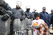 В Греции на островах построят тюрьмы для беженцев и мигрантов