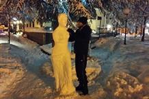 Студент из Флорины слепил снежную Афродиту (фото)