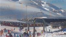 На горнолыжных курортах Греции выстроились двухчасовые очереди (фото, видео)