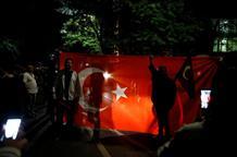 Еще двое турецких военных бежали в Грецию
