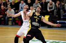 Греческие клубы стартовали в плей-офф Лиги чемпионов