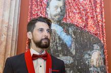 Греческий скульптор создал портреты семьи Николая II из алюминиевых банок