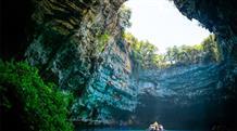 Уникальный феномен: пещера в Греции лишит вас дара речи (видео)