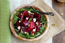 Руккола с сыром: греческий салат на все времена