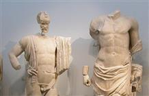Установлена причина изображения пенисов маленьких размеров у древних статуй