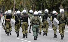 Греческие власти пообещали положить конец бесчинствам анархистов