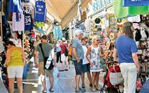 В Греции будут штрафовать туристов, вывозящих гальку в качестве сувениров