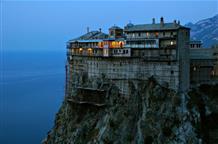 Греческий туроператор заявил об отсутствии проблем с паломничеством россиян
