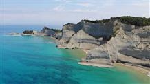 Только Греция: море, скалы, середина лета (видео)