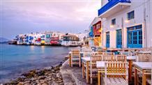 Звездная мода: Миконос и Санторини тонут под туристами