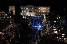 Праздник к нам приходит: на главной елке Греции зажгли огни (фото, видео)