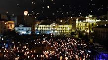 Греция празднует Рождество: в Афинах – ночь желаний (фото)