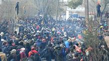 На границе Греции и Турции собрались сотни мигрантов