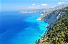 Греция научила жесткому карантину, научит и как открыть туристический сезон