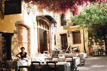 В Греции с 1 июня открываются гостиницы, летние кинотеатры, бассейны, массажные салоны