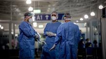Эпидемиологи бьют тревогу: туристы в Грецию везут коронавирус