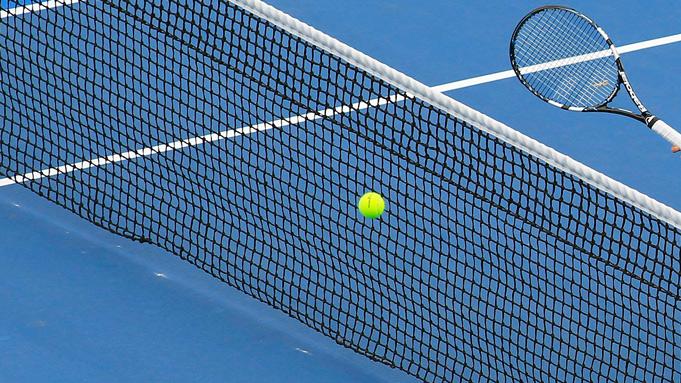 Греческий теннисист пожизненно дисквалифицирован за компанию договорных матчей